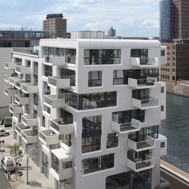 Bauhaus Architecture | Bauhaus inspired apartment building, Hamburg Germany architecture ...