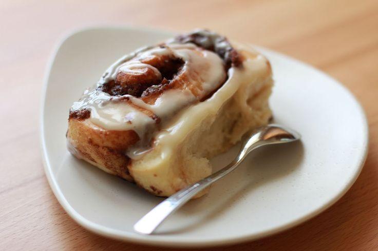 http://veggiegourmande.com/2012/10/12/connaissez-vous-les-cinnamon-rolls/