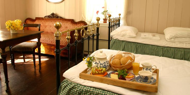 Toppen Bech har brukt store deler av sitt voksne liv på å dokumentere Norges vakreste hoteller, gårder og gjestehus. Her deler hun noen av sine favoritter.