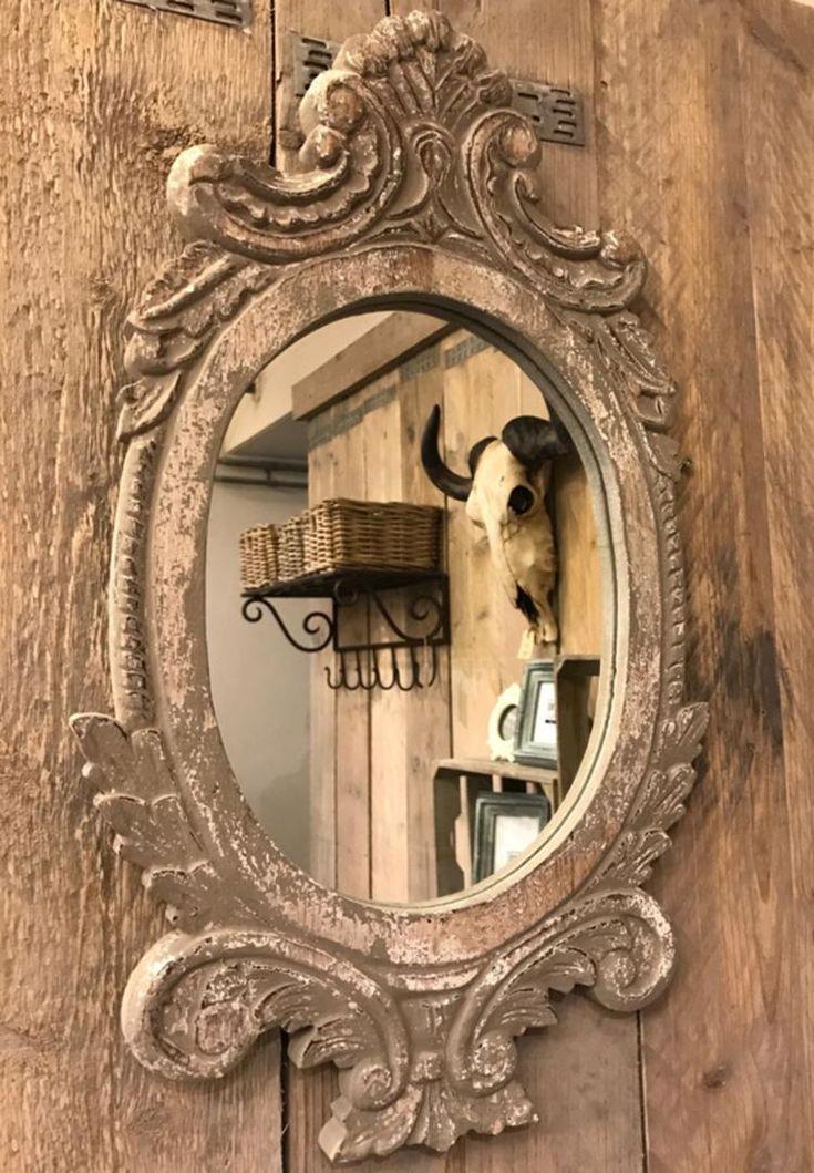 Bekijk de foto van zuzzenzowonen met als titel Mooie landelijke brocante houten spiegel  Grey antic  57x 33 x 3 en andere inspirerende plaatjes op Welke.nl.