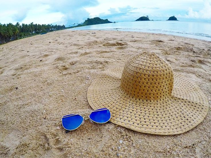 cool When the fine sand of Nacpan beach matches your hat.#wheninelnido #palawan #trav...  When the fine sand of Nacpan beach matches your hat.👒#wheninelnido #palawan #travel #paradise #beachsand #beach #igers #igtravel #instagram #beac...