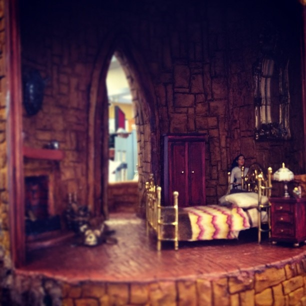 A dreamy dolls house interior - one of the many on display at Square Affair Retro Festival 2012 in #palmerstonnorth #dollshouse #squareaffair