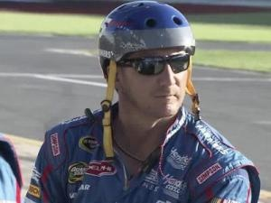 Former East Carolina football player Jeff Kerr successfully made the transition from the gridiron to the NASCAR pits, now, he's working to help others make that jump.