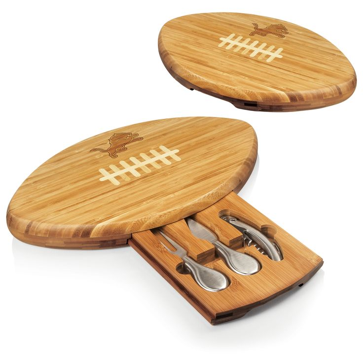 Quarterback Cutting Board with Tool Set - Detroit Lions