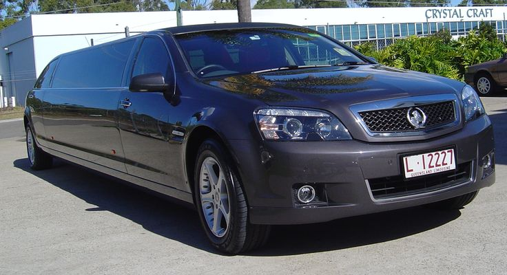 Limoso - Super Stretch Holden Caprice in Gun Grey