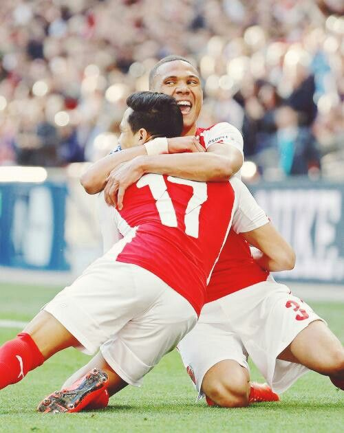 Alexis scores twice for Arsenal #FACupSemiFinals