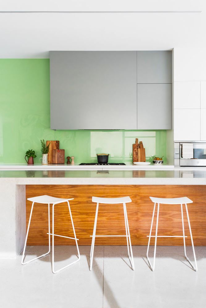 """The glass splashback, in [Dulux](http://www.dulux.com.au/?utm_campaign=supplier/