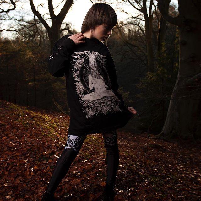 "CRMC X Vivid Black Artistry ""TEM.ple O.mnium H.ominum P.ads AB.ba"" Longsleeve Tall Tee & CRMC X Julian Akbar ""Satan's Waitin'"" Leggings Available at www.crmc-clothing.co.uk | WE SHIP WORLDWIDE Models - Izabella-Rae Jaxx Photography - Adrian Mcnab #darkwear #need #blackwear #want #cozy #altfashion #alternative #niche #fashionstatement #fashion #baphomet #leggings #iloveblack #womenwithtattoos #winter #winterfashion #style #alternativeguy #alternativeboy #girlswithtattoos #tattooedwomen"