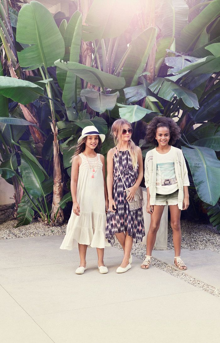 H&M turns up the heat this season with its latest kids Summer 2015 campaign. Let…