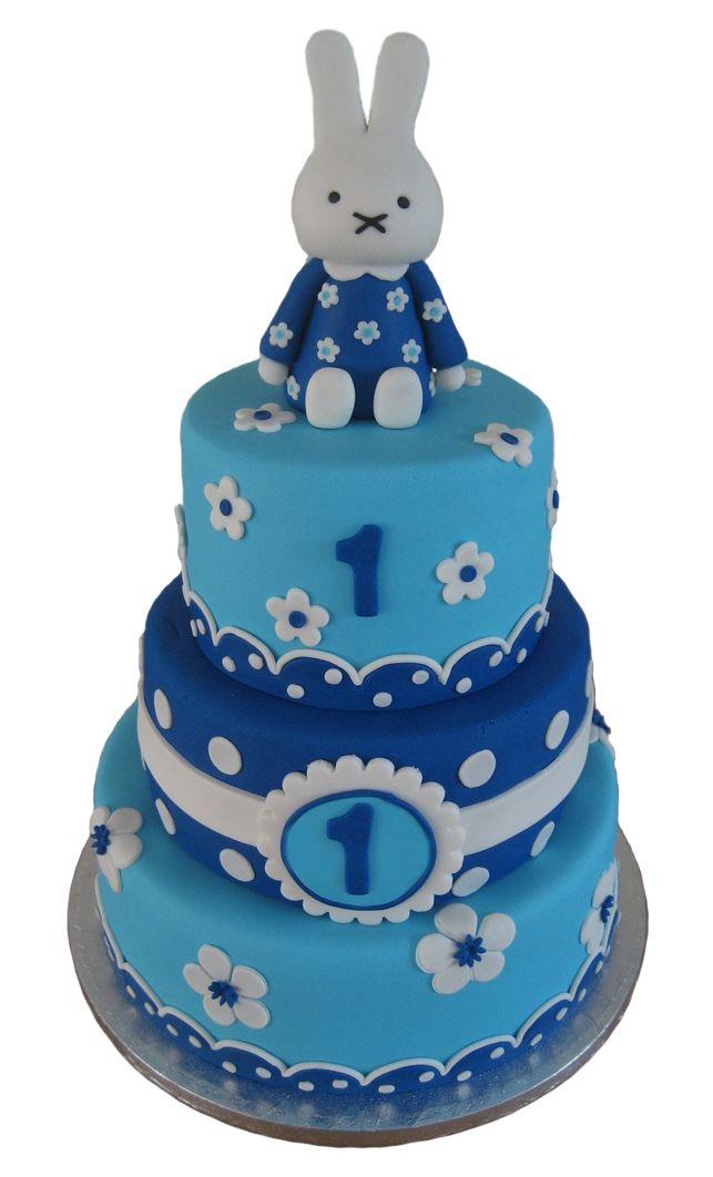 Nijntje taart in blauw. Miffy cake in blue