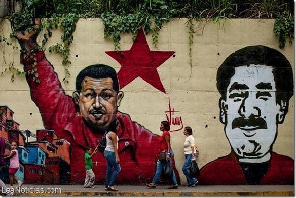"""Maduro considera que la versión chavista del """"Padre Nuestro"""" es una poesía (Pero se llama oración) - http://www.leanoticias.com/2014/09/05/maduro-considera-que-la-version-chavista-del-padre-nuestro-es-una-poesia-pero-se-llama-oracion/"""