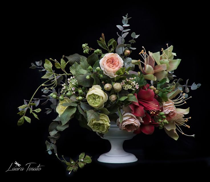 """London"" #coldporcelainflowers #sugarart #sugarflowers #clayflowers"