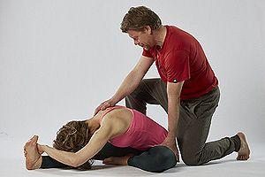 JANUAR 2019: YIN YOGA THERAPIE MIT ADJUSTMENTS & HANDS-ON-ASSIST TEIL 5 (25 HOUR) MIT DIRK & QBI  Eine der tiefsten und zugänglichsten Möglichkeiten Deiner eigenen Übungspraxis,  Deinen Yin Yoga Klassen und Deinem Privatunterricht mehr Kompetenz  zu verleihen, ist das Studium und die Praxis von besonderen myofaszialen Yoga-Hilfestellungen und Adjustments im Yin Yoga.  Info & Anmeldung: