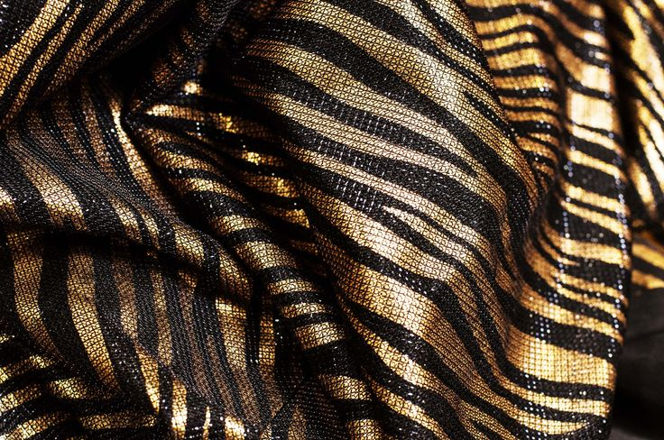 Fabric : knit foil print.  #stripes #animalskin #black #gold #copper #shine #shimmer #luxuary #textile #fabric #knit #foil #print
