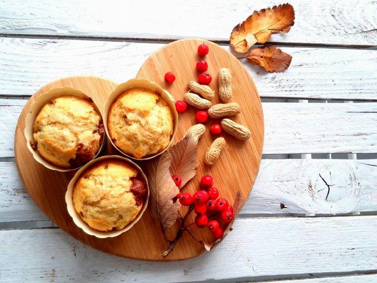 Naszła mnie dzisiaj ochota na muffiny i tym o to sposobem powstały z orzechami i czekoladą 😋😉 ---> Zapraszam na moją stronę po przepis https://m.facebook.com/eatdrinklooklove/ ❤  I came across today craving for muffins and this is a way created with nuts and chocolate 😋😉 ---> I invite you to my page the recipe https://m.facebook.com/eatdrinklooklove/ ❤