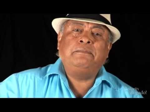 José-Luis Orozo: De Colores performing the song - BILINGUAL