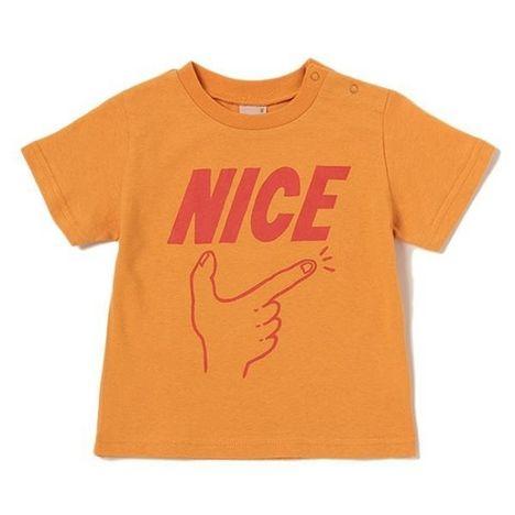 NICEのロゴ、ポーズを取るハンドモチーフをプリントしたクルーネックTシャツです。コントラストの効いたカラーリングで存在感バッチリのデザインに♪ 普段使いに活躍してくれるカジュアルな1着です。※80、90サイズのみ肩開き・モデルサイズ99cm・着用サイズ100cm
