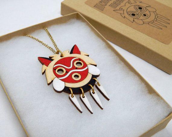 Collier masque Mononoke par ObakeStyle sur Etsy