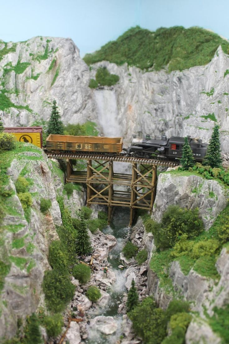 Skip Lyuk's layout - saving the best for (very) last at the 2012 NMRA Convention | Model Railroad Hobbyist magazine | Having fun with model trains | Instant access to model railway resources without barriers