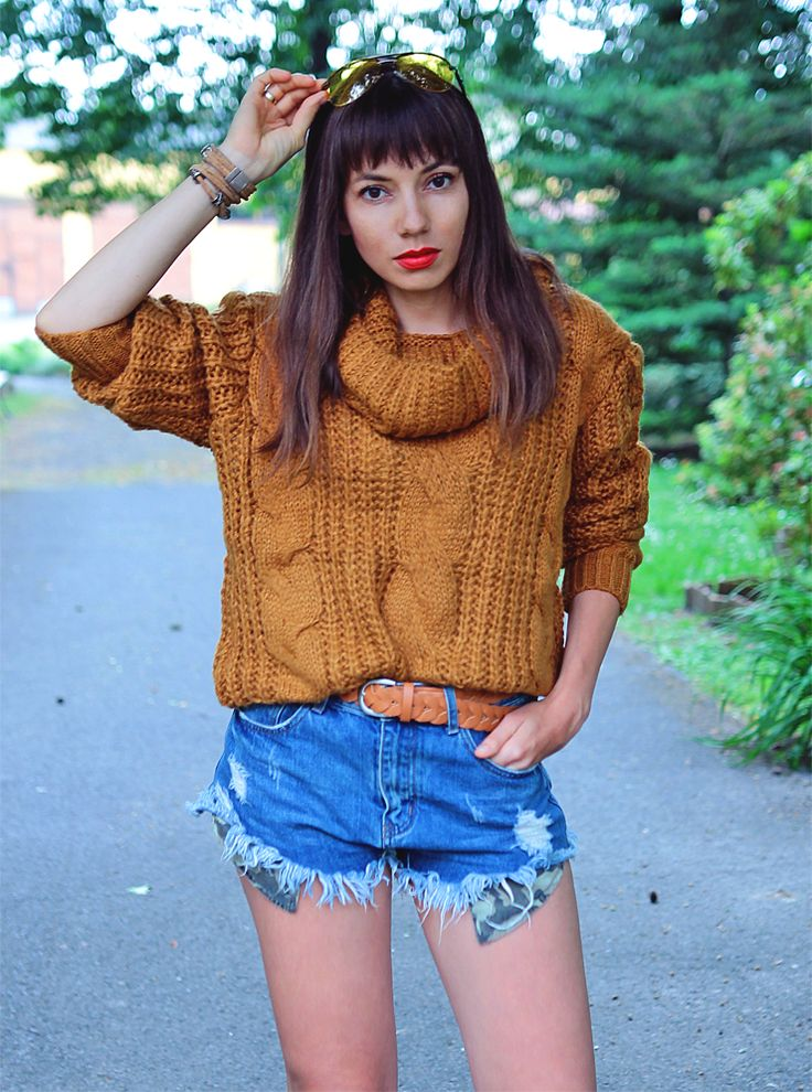 caramel cable knit sweater and denim shorts: http://jointyicroissanty.blogspot.com/2017/06/caramel-cable-knit-sweater.html