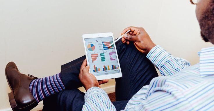 Pour une croissance continue, analysez votre évolution et optimisez votre stratégie - https://www.smallbusinessact.com/blog/10-conseils-booster-croissance-pme-tpe/#10-Ne-vous-reposez-pas-sur-vos-lauriers | #PME #TPE #Entrepreneur
