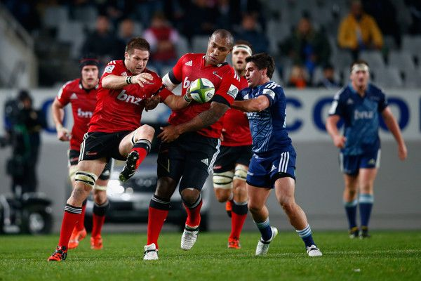 Richie Mccaw Photos Photos - Richie McCaw of the Crusaders collects the loose ball  with Nemani Nadolo during the round 17 Super Rugby match between the Blues and the Crusaders at Eden Park on June 6, 2015 in Auckland, New Zealand. - Super Rugby Rd 17 - Blues v Crusaders