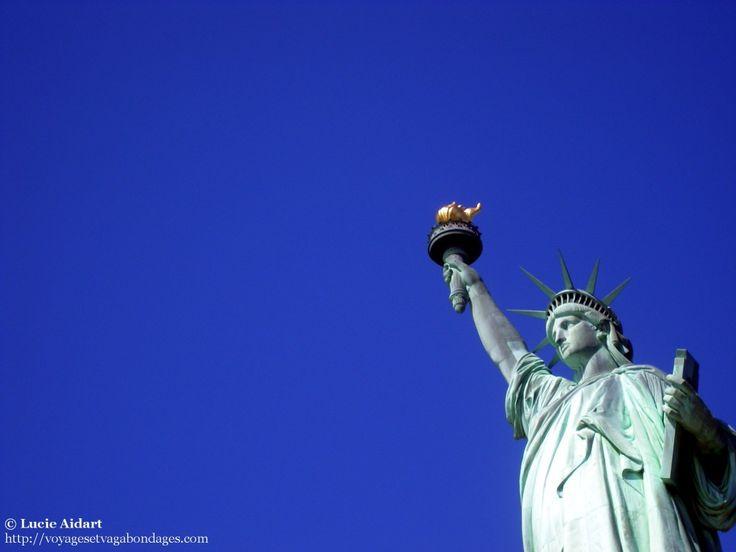 New York est la ville de mes rêves. Je n'y ai passé que trois jours il y a trois ans, mais je rêve d'y vivre. J'y retourne pour quelques jours en septembre et mon planning est très chargé!