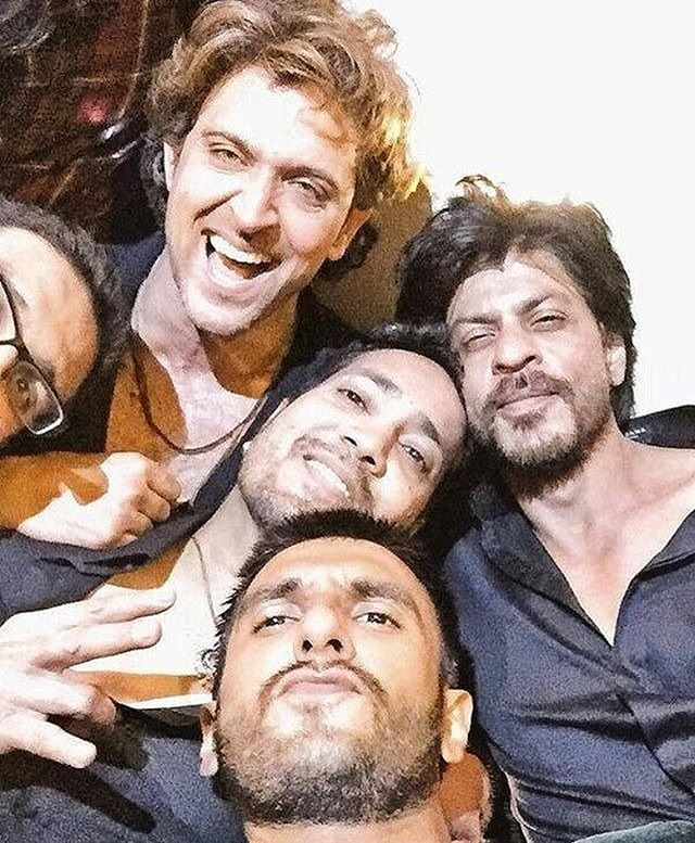 #ThrowbackThursday : When SRK, Hrithik & Ranveer partied together @Bollywood ❤❤❤