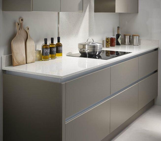 Quartz And Granite Kitchens: Bushboard M-stone Quartz