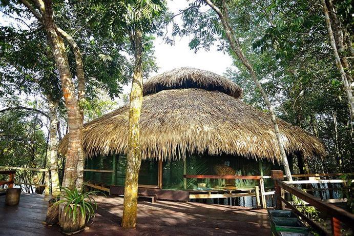 Juma Amazon Lodge (AM) inaugura piscina flutuante com água de rio :: Jacytan Melo Passagens