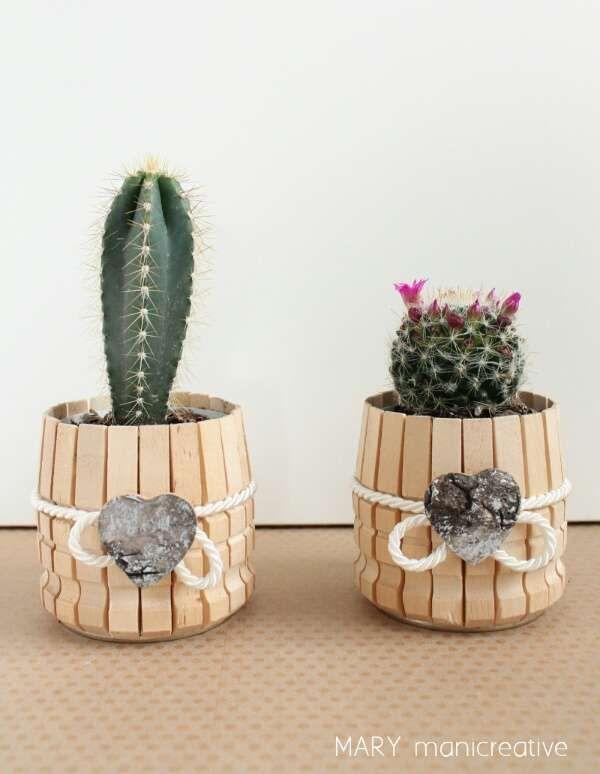 Cache-pot avec des pinces à linge. 20 Projets créatifs avec des pinces à linge en bois