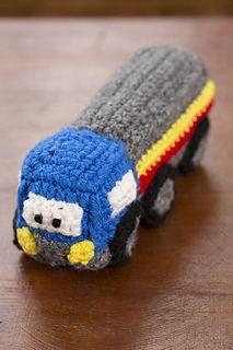 Amigurumi crochet truck - free pattern