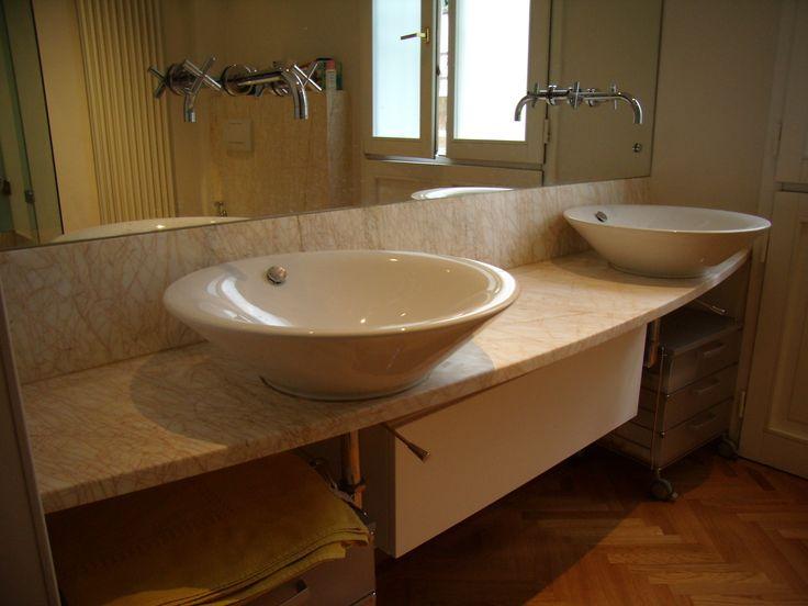 Top lavabo in marmo Spider Gold con Lavabi Duravitt /- /- realizzazione BlancoMarmo.it / Arredi realizzati da Oggetti.it / design by LauroGhedini.com