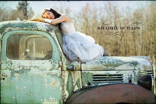 The truck of the Fancy Farmgirl :)   Isn't is beautiful?