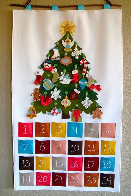So happy.: Christmas is approaching! Time to face the advent calendar music.  Maybe I will change my felt tree to this!!