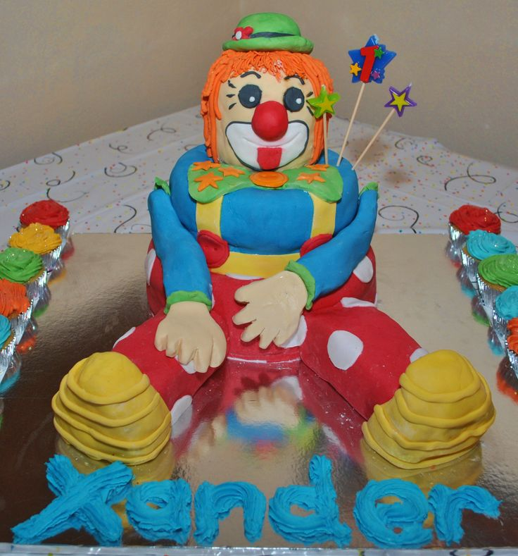 Xander's first b-day cake and my first attempt to make a 3D fondant cake.