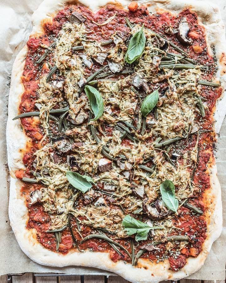 Veganen Pizzakase Selber Machen Leckeres Pizzarezept In 2020 Pizza Ohne Kase Pizza Rezept Rezepte