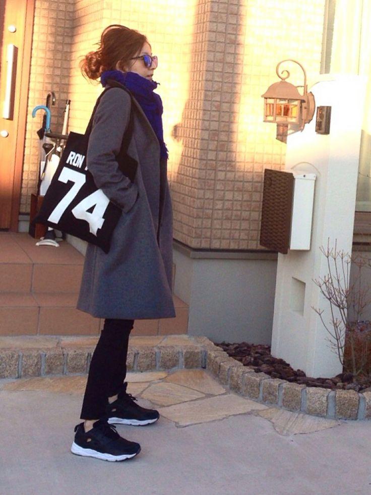 FRAMeWORKのチェスターコートを使ったmayumiさんのコーディネートです。│テーラードにスポーツミックスが今の気分...
