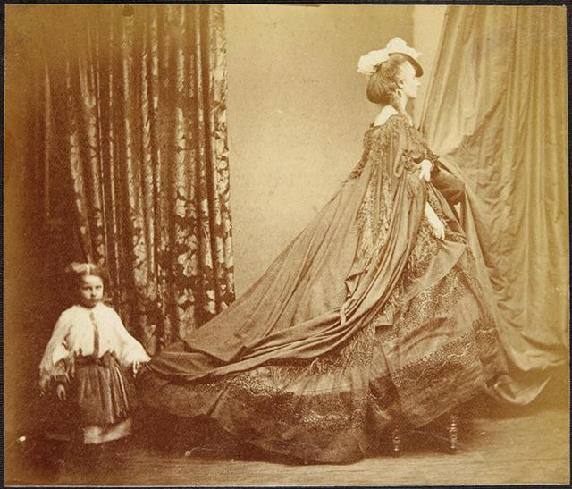 vintage everyday: 25 Rare and Fascinating Portraits of Virginia Oldoini, Countess of Castiglione in the 1860s