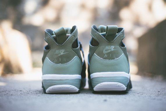 Nike Air Trainer Huarache Medium Olive