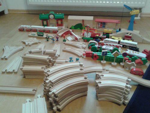 Brio-Eisenbahn-Set-und-Zubehoer-ca-135-Teile-teilweise-Eichhorn-und-IKEA