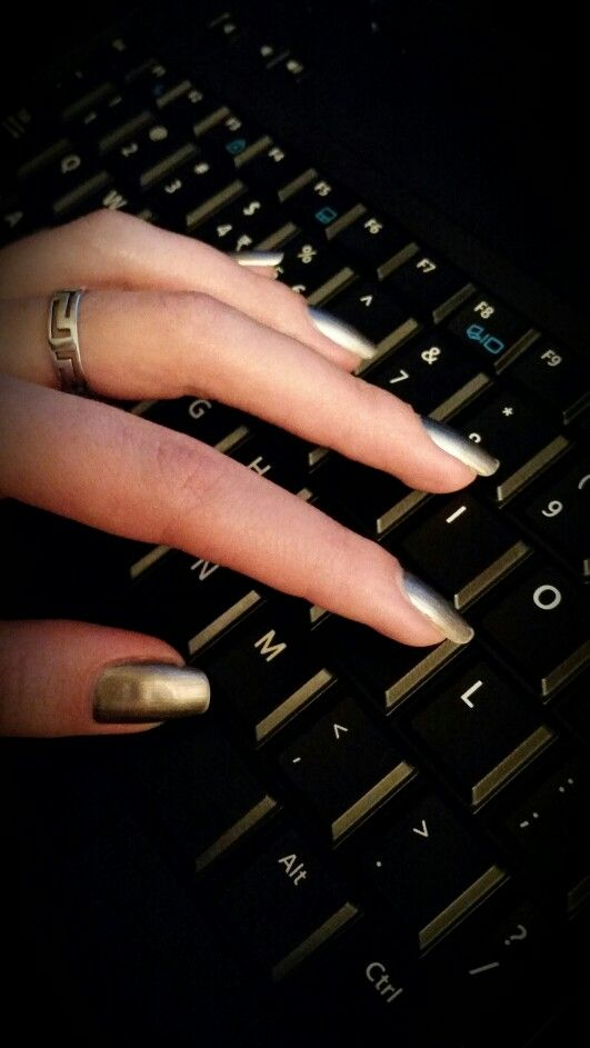 Ciaté - Shady Lady nails