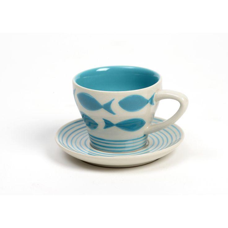 Ceramica dipinta a mano dagli artigiani di Craft Link (Vietnam). Una linea simpatica nei colori del mare, perfetta come idea regalo e per rallegrare le case estive.