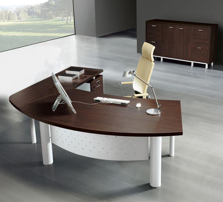 Skrivbord till chefen. Kontorsmöbler med design