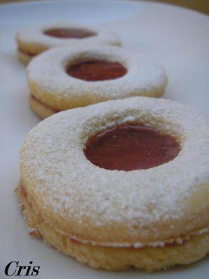 Receta del blog Bocados dulces y salados.  http://bocadosdulcesysalados.blogspot.com/2007/11/pastas-con-mermelada-de-cerezas.html    Ingred...