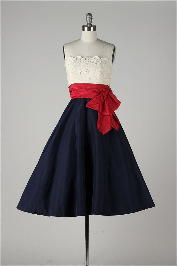 vintage 1950s dress . red white & blue . par millstreetvintage