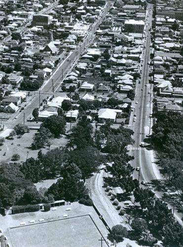 Aerial view of Ipswich, looking down Brisbane Street, from Queen's Park, Ipswich, ca. 1960