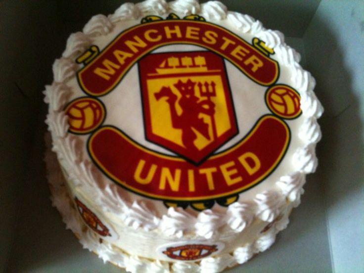 manchester united cake, birthday treats, redvelvet cake frosting creamcheese