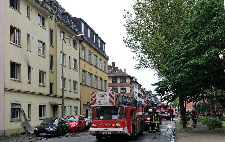 Duisburg Meiderich: Flammenhölle in Mehrfamilienhaus