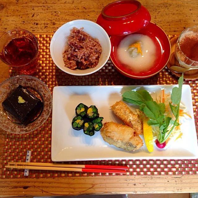 玄米餅米と玄米のお赤飯 里芋だんごの白味噌仕立て 白身魚とテンペのフライオーガニックサラダ 菊菜の海苔ロール 胡麻豆腐 ティラミス - 50件のもぐもぐ - マクロビオティック by Yoshimi 0808
